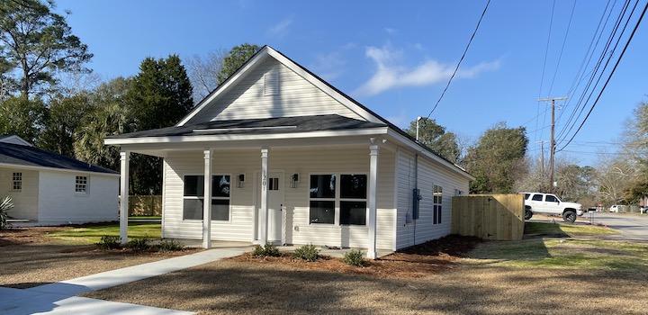 1201 Deerwood New Home